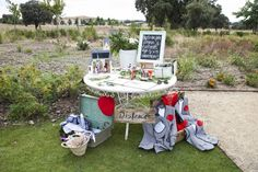 Entstauben Sie Ihre alten Koffer und dekorieren Sie damit die Hochzeit! Image: 0