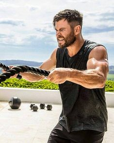 VIMAX Low sexual desire Low self-esteem Less than ideal erection size Premature ejaculation Low Endurance Chris Hemsworth Hair, Chris Hemsworth Workout, Hemsworth Brothers, Australian Actors, Celebrity Dads, Celebrity Style, Haircuts For Men, Muscle, Hair Cuts