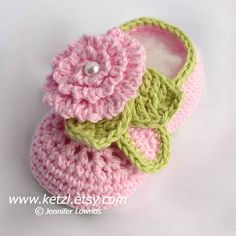 Pattern 009 Crochet Baby Flower Booties Pattern  US crochet stitches.  You can make these booties in light-worsted weight yarn, choosing colours you love.