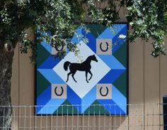 Barn Quilt Designs, Barn Quilt Patterns, Quilting Designs, Horse Quilt, Painted Barn Quilts, Barn Wood Signs, Barn Art, Animal Quilts, Farm Yard