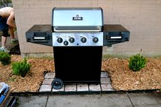 Pavers under Grill. Pavers under Grill. Grill Gazebo, Patio Grill, Diy Grill, Grill Area, Bbq Area, Diy Patio, Backyard Patio, Small Patio Ideas On A Budget, Outdoor Grill Station
