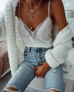 Bijoux femme - THE TRENDY STOREstreetstyle tenues hiver mango, asos, urban outfitters, the kooples, zadig et v Mode Outfits, Girly Outfits, Cute Casual Outfits, Stylish Outfits, Fashion Outfits, Fashion Trends, Trendy Winter Outfits, Cute Jean Outfits, Fashion Clothes
