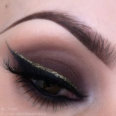 Smokey eye with gold glitter liner #eyes #eye #makeup #eyeshadow #dark #dramatic