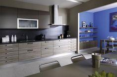 Keuken in rechte opstelling. Bijzonder aan deze keuken is het aantal lades.