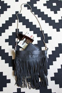 DIY fringed leather bag tutorial - love this!