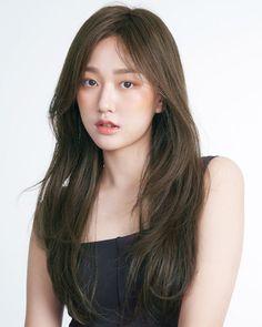Medium Hair Cuts, Long Hair Cuts, Medium Hair Styles, Curly Hair Styles, Straight Black Hair, Long Black Hair, Long Layered Hair, Korean Long Hair, Korean Hair Color