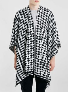 Mono Dogtooth Knitted Cape