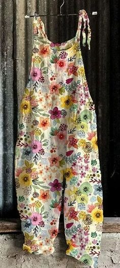 Casual Jumpsuit, Floral Jumpsuit, Printed Jumpsuit, Pretty Outfits, Cool Outfits, Salopette Jeans, Boho Fashion, Fashion Outfits, Fashion Advice