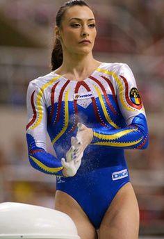 Catalina Ponor (Romania) HD Artistic Gymnastics Photos Gymnastics Posters, Gymnastics Photography, Gymnastics Pictures, Sport Photography, Amazing Gymnastics, Artistic Gymnastics, Gymnastics Girls, Gymnastics Leotards, Sixpack Workout