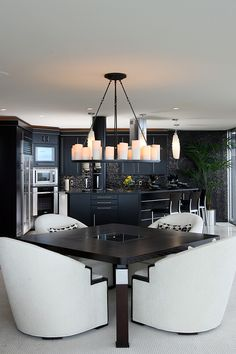 Black & white Kitchen & dining☻Love all the candles hanging♥