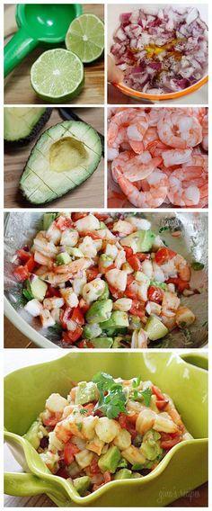 Ensalada de camarones. Ingredientes: Aguacate, camarones, limón para el aderezo, aceite de oliva, pimienta y  jalapeños.