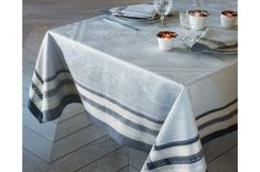 Galerie des Glaces Silver - French luxury Tablecloth from Garnier-Thiebaut