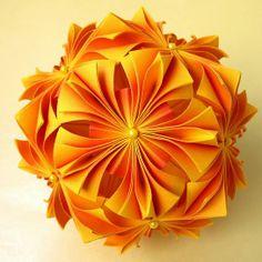 Infiny 2, Miyuki Kawamura, source Origami Tanteidan Magazine 097, 16x8 paper, resulting in 10