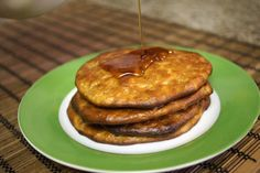 Healthy 2 ingredient Pancakes (bananas+egg). Sunday mornings were made for eating pancakes, don't you think? Wrong! With this recipe, you can enjoy pancakes anytime of day. That's right... anytime! #enjoylife #eee