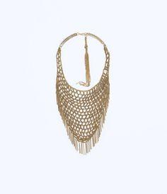 Imagen 1 de COLLAR MALLA TRIANGULAR de Zara