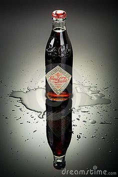 coca-cola-bottle-23960271.jpg (300×450)