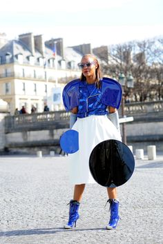 Go big or go home. Wow. #MichelleElie in Paris.