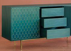 Bethan Gray nous présente sa dernière collection de meubles faits à la main en…