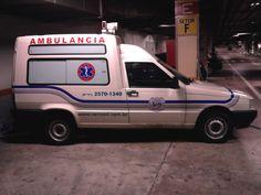 Caracterização de ambulância com adesivos impressão digital e recorte eletrônico.