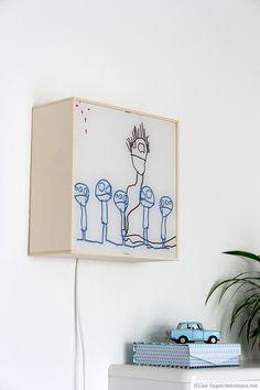 DIY Wandbeleuchtung aus alten Kinderzeichnungen