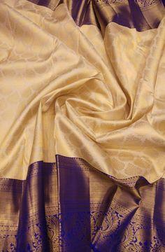 Online shopping from a great selection at Clothing & Accessories Store. Kanjivaram Sarees Silk, Indian Silk Sarees, Kanchipuram Saree, Pure Silk Sarees, Cotton Saree, Bandhani Saree, Gold Silk Saree, Wedding Silk Saree, White Saree