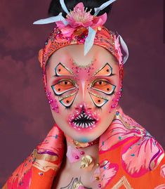 The drag queen scene has increasingly infiltrated pop culture since the rise of RuPaul's Drag Race in While the entertainment qualities of the reality… Drag Makeup, Clown Makeup, Halloween Face Makeup, Carnival Makeup, Sfx Makeup, Alternative Makeup, Creative Makeup Looks, Make Up Art, Special Effects Makeup