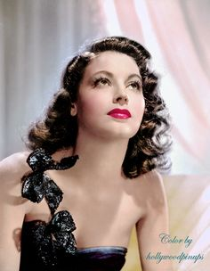 Ava Gardner in an early MGM glamour portrait (1944). Color by #hollywoodpinups #AvaGardner #silverscreen #oldhollywood #iconic #classichollywood #hollywoodglamour #photoshop #colorized #photorestoration #vintagecolor #GoldenAgeOfHollywood