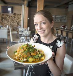 Annie Villeneuve nous dévoile une recette savoureuse cette semaine. Moroccan Dishes, My Best Recipe, Villeneuve, Stir Fry, Poultry, Potato Salad, I Am Awesome, Good Food, Brunch