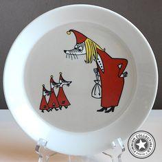 Arabia Muumi matala lautanen Vilijonkka Moomin Mugs, Tove Jansson, Marimekko, Decorative Plates, Tableware, Kitchen, Inspiration, Home Decor, Biblical Inspiration