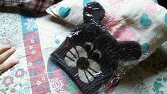 Gorrito resiclado de un pulover