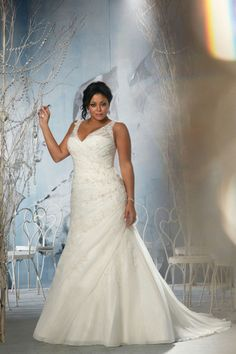 The Julietta plus size wedding dress collection features a variety of bridal gowns to choose from for the contemporary full-figured woman with exquisite taste. Buy Wedding Dress, Wedding Dress Organza, 2015 Wedding Dresses, Country Wedding Dresses, Formal Dresses For Weddings, Wedding Attire, Bridal Dresses, Bridesmaid Dresses, Dresses 2014