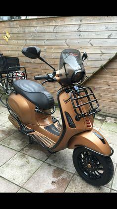 Brown – Vespa, Lambretta &Co. Motos Vespa, Lambretta Scooter, Scooter Motorcycle, Vespa Scooters, Vespa 150 Sprint, Vespa Smallframe, Classic Vespa, Italian Scooter, Honda Cub