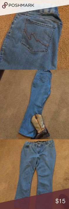 Riders Boot Cut Jeans (New) Riders Boot Cut Jeans (New). I just bought these. I haven't wore them. I pulled off the tags and then decided I wanted straight leg jeans. New  Jeans, Boot Cut, New, Light Blue, Cowboy, Cowgirl, Rodeo, Concert, Western, Bling Riders by Lee Pants Boot Cut & Flare
