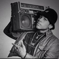 #MaxBrigante Max Brigante: Accendete la radio! C'è #105stars su @radio105 #rap #hiphop #music