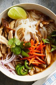 A classic Vietnamese dish, this Chicken Pho recipe is full of fragrant aromas as well as savory and spicy flavors. #soups #chili #stews #souprecipes #chilirecipes #stewrecipes #soupdinner #soupideas #recipe #eatingwell #healthy