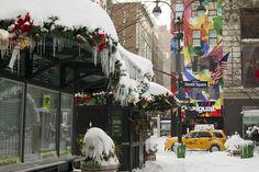 Jan 2011 snowstorm Herald Square, Street Photo, Kiosk, Fair Grounds, Fun, Hilarious