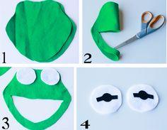 Kermit the Frog I-Spy Bag {Scribble Shop Challenge} Meme Costume, Bat Costume, Diy Costumes, Halloween Costumes For Kids, Green Costumes, Kermit The Frog Costume, Fleece Hat Pattern, Animal Muppet, Frog Crafts