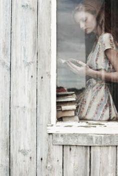 reading. vintage. floral.