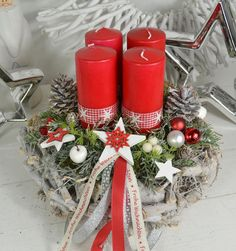 Advent wreath - Advent wreath, Advent arrangement root wreath red - a unique product by ems-floristik on DaWanda. Christmas Advent Wreath, Christmas Candles, Christmas Centerpieces, Winter Christmas, All Things Christmas, Christmas Crafts, Christmas Decorations, Holiday Decor, Ems