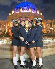 🈂️さんはInstagramを利用しています:「. . きらきらjkみすごいしあわせだ〜〜 絶対またこれきてみんなででぃずにいく!! . #disneysea #jk #セーラー服 #ルーズソックス #無修正」 School Uniform Fashion, School Girl Outfit, School Uniform Girls, Girl Outfits, Cute Asian Girls, Cute Girls, Cute Japanese Girl, Kawaii, Japanese Street Fashion