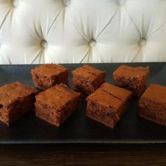 30 Second Chocolate Banana Slice Thermomix Desserts, Healthy Desserts, Thermomix Bread, Brownie Recipes, Cake Recipes, Brownie Pan, Banana Slice, Oat Slice, Clean Eating Sweets