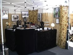 professional jewelry displays | This booth is from Patty Lakinsmith , a lampworker who creates amazing ...