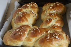 Hot Dog Buns, Bagel, Bread Recipes, Food And Drink, Easter, Sweets, Cooking, Desserts, Sugar