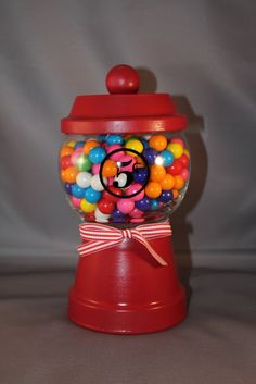 Southern Girl Creations: Old Fashioned Gumball Machine Candy Dish Diy Crafts To Do, Clay Pot Crafts, Candy Jars, Candy Dishes, Handmade Christmas, Christmas Fun, Christmas Foods, Christmas Chocolate, Jars Of Sweets