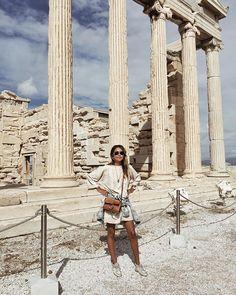 Julie Sariñana in Athens, Greece Cool Instagram, Travel Goals, Travel Style, Wanderlust Travel, Paris, Zakynthos, Greece Outfit, Greece Travel, Greece Trip