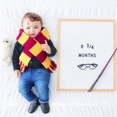 The Best Pregnancy Letter Boards - Sexy Mama Maternity Baby Harry Potter Platform 9 Monthly Phot Bricolage Costume Halloween, Halloween Bebes, Halloween Baby Pictures, Baby Halloween Costumes, Harry Potter Halloween Costumes, Diy Baby Costumes, Homemade Halloween, Baby Harry Potter, Harry Potter Baby Costume