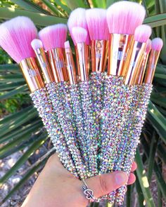 Best Makeup Brushes, Eye Brushes, Makeup Brush Set, Makeup Tools, Best Makeup Products, Cute Makeup, Simple Makeup, Crystal Makeup, Glitter Lip Gloss