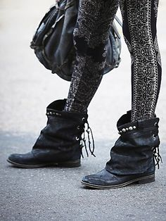 The perfect slouchy moto boot. Love the leggings too