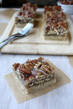Kitchen Paper: Pecan Shortbread Bars (Martha Stewart's Cookie Recipe w/doubled topping) Cookie Desserts, Just Desserts, Cookie Recipes, Delicious Desserts, Dessert Recipes, Pecan Recipes, Sweet Recipes, Baking Recipes, Bar Recipes