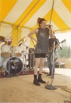 grungebook:    The late Mia Zapata of the Gits